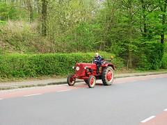 Oldtimers (streamer020nl) Tags: tractor limburg trekker 2016 zuidlimburg 220416