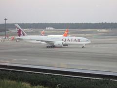 IMG_1822 (johnkoji) Tags: japan airplane tokyo airport narita qr gk a320 nrt b737 b777 7c