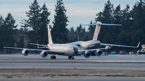 USAF KC-135R 62-3559 and C-17A 03-3121