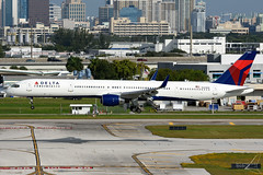 N583NW | Boeing 757-351(WL) | Delta Air Lines (JRC - Bourneavia Photography) Tags: dal delta fortlauderdale boeing dl 757 757300 fll boeing757 deltaairlines boeing757300 n583nw kfll