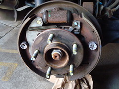 Drum Brakes - Chevy Equinox 2005 (berryns1) Tags: chevrolet diy chevy equinox carrepair