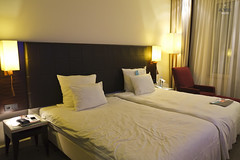 Twin Bedroom (A. Wee) Tags: germany hotel bedroom europe lemeridien 欧洲 德国 斯图加特 艾美 酒店stuttgart