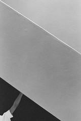 Clara, Villa Savoye (qubeqube) Tags: film 35mm olympus lecorbusier om1 corbusier villasavoye quentinsimon