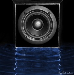Soundwave (Paul Calcutt) Tags: music reflection water canon bluewater wave sound beat speaker vibration soundwave paulcalcutt