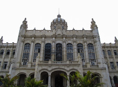 "La Havane: el museo de la Revolucion <a style=""margin-left:10px; font-size:0.8em;"" href=""http://www.flickr.com/photos/127723101@N04/25059140169/"" target=""_blank"">@flickr</a>"