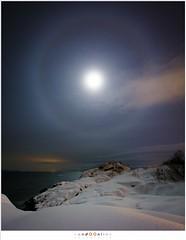 The unexpected, Lofoten 2016 (nandOOnline) Tags: winter moon snow water clouds stars see evening vakantie sneeuw wolken halo zee avond lofoten svolvaer noorwegen maan 2016 sterren svinøya svinã¸ya