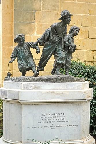 """""""Les Gavroches"""" par Antonio Sciortino (La Valette, Malte)"""