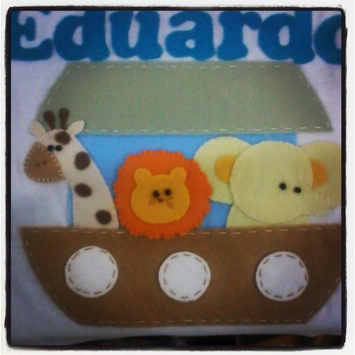 Boa noite! Camisetinha de 1 aninho do Eduardo! #bunicachica  #arcadenoe #aniversario  #umaninho #picoftheday  #instababy  #instakids