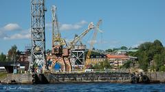 STOCKHOLM, girafe crane (claude.lacourarie) Tags: city sea water boats sweden stockholm crane bateaux summertime capitale girafe sude