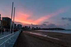 Gijn. Playa de San Lorenzo. (David A.L.) Tags: atardecer gijn asturias playa nubes playadesanlorenzo paseodelmuro