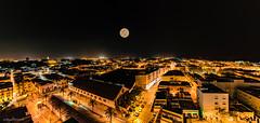 Panoramica nocturna, Sanlucar de Barrameda, (Cadiz). (jangel125) Tags: panorama de noche andaluca nikon 15 luna panoramica cadiz d750 nocturna tamron sanlucar 30mm barrameda