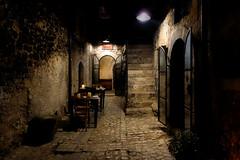 a corner to dinner / un rac per sopar (Ferran.) Tags: bar night dinner italia cena lugar sopar nit abruzzo tasca lloc