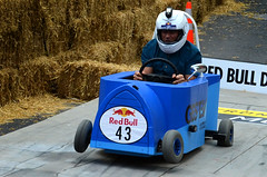 Gestev (DJ Axis) Tags: road street red canada racetrack race hall team downtown  montral montreal cte du bull downhill beaver event qubec transportation manmade vehicle 40 cart soapbox wacky centreville boite bote savon 2015 soapboxes gestion quipes motorless bolides boiteasavon wackiest hurtled