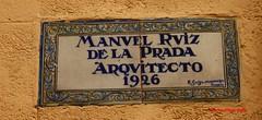 Azulejo del arquitecto Manuel Ruiz de la Prada. Calle Mediodia Grande. Madrid (Carlos Vias-Valle) Tags: azulejo manuelruizdelaprada