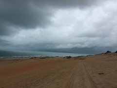 Canoa Quebrada, CE. (Elias Rovielo) Tags: family pink vacation chuva frias rainy cear buggy dunas ce lagoas nordeste canoaquebrada rosachoque comemoo beachparkwellnessresort brasilfamlia