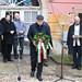 Harrach Péter, a KDNP frakcióvezetője, a váci térség országgyűlési képviselője koszorúz Cházár András szobránál