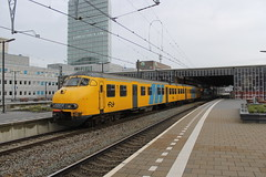 Plan V 479(Eindhoven 12-12-2015) (Ronnie Venhorst) Tags: road railroad holland station train canon eos rebel outdoor ns d nederland plan eisenbahn rail railway zug bahnhof eindhoven railwaystation v rails vehicle emu locomotive t3 bahn trein spoor 1100 spoorwegen nsr spoorweg sprinter almelo nederlandse 2015 stoptrein 479 planv werkspoor treinstel mat64 1100d materieel eos1100d spoormaterieel eos1100