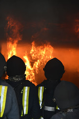 Trabajando con fuego (BZMFB) Tags: zaragoza escuela fuego aire humo bomberos calor backdraft entrenamiento formacin flashover bomberoszaragoza