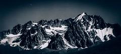 Panorama du Massif des Agneaux (Frdric Fossard) Tags: panorama texture monochrome les montagne lune noiretblanc 05 glacier ciel neige paysage moraine oisans sommet hautesalpes srac agneaux coldarsine glacierdarsine massifdescrins 3664m