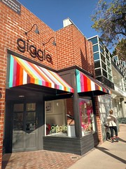 Giggle (Thad Zajdowicz) Tags: california street people cellphone 365 pasadena droid 366 zajdowicz