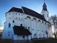Fortified Church #bunesti #church #bodendorf #kirche... (andydamian_design) Tags: travel church gothic kirche romania transylvania romanesque romanic bodendorf bunesti xivcentury brasovcounty transylvaniacountry discoverromania uploaded:by=flickstagram travelstoke instagram:photo=1138796615201980042387810510 instagram:venuename=bunec899ti2cbrac899ov instagram:venue=605348871 fortifychurch