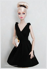 Little black dress (Hiljan Kuvaamo) Tags: integritypoppyparker joyfulinjapanpoppyparker silkstoneclassicblackdress