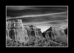 RAMBLA DE VALDECIERVOS. Una parte, una versión (Juan J. Marqués) Tags: tierras teruel ramblas nwn erosión ocres arcillas blancoynegroyvariaciones