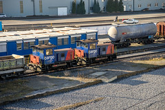 The small ones (jaeschol) Tags: switzerland railway sbb zrich kreis5 hardbruecke dieselhydrauliclocomotive tm232