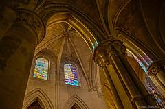 Cristaleras (Milo10050) Tags: luces catedral iglesia cristaleras