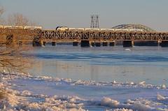 Inbound and outbound (Michael Berry Railfan) Tags: bridge ice quebec montreal lasalle stlawrenceriver commutertrain amt passengertrain emd gmd f59phi agencemtropolitainedetransport amt91