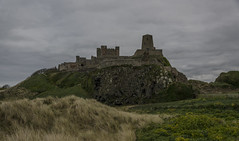 Bamburgh Castle (Preston Ashton) Tags: old uk england castle britain northumberland bamburgh din bamburghcastle warsoftheroses dolerite waroftheroses guarie dinguarie prestonashton