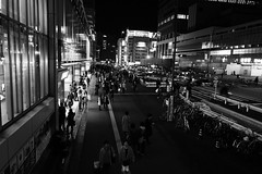 L1050046 (Zengame) Tags: leica bw monochrome japan tokyo shinjuku jp 日本 東京 summilux 新宿 モノクロ 白黒 新宿区 東京都 モノクローム ライカ leicaq ズミルックス summilux1728 ライカq ズミルックス1728