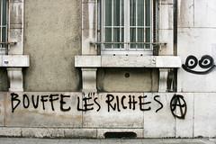 IMG_7151 (leroux.maximilien62) Tags: france smile grenoble graffiti frankreich protest streik demonstration strike sourire manifestation lcheln anarchists grve elkhomri loitravail