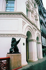 Holborn Viaduct Winged Lion (Matthew Huntbach) Tags: statue lion ec1 cityoflondon wingedlion holbornviaduct