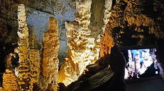 Grotte di Frasassi (www.turismo.marche.it) Tags: marche grotte grotta ancona grottedifrasassi frasassi stalattiti stalagmiti provinciadiancona goladifrasassi goladellarossa parconaturaledellagoladifrasassiedellarossa parconaturaleregionaledellagoladellarossaedifrasassi destinazionemarche