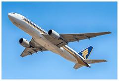Singapore Airlines 9V-SRQ Boeing 777-2