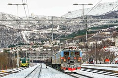 Dm3 1210 arrives at Narvik (Beyond Trains) Tags: winter snow norway train sweden railway 1210 1234 kiruna narvik arcticcircle ironore lkab 1209 dm3 extremeterrain heavyhaul electrictraction dm31210