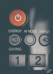 El botón más deseado (Elsa Fdez) Tags: rojo mando apagar desaturación botón encender