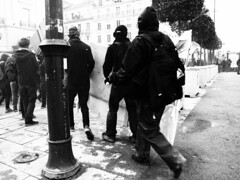 Manifestation 09-04-16 Rennes - Bomber - www.alter1fo (24) (bomber_art1) Tags: white black fight riot blood photographer child jan pics photographers police mobil hardcore violence shield benjamin cry bomber sang flikr fo rennes manifestation sud larmes crs cgt policire bouclier sangs acab solidaire gign tonfa affrontements affrontement baceux