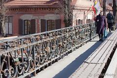 Padlock bridge (KronaPhoto) Tags: street bridge love symbol bro padlock locked lithuania vilnius kjrlighet lpst litauen hengels hovedstad