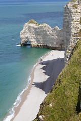 tretat, Normandie, France (Thierry Hoppe) Tags: sea cliff white france beach nature seaside outdoor cliffs normandie falaise channel tretat falaises
