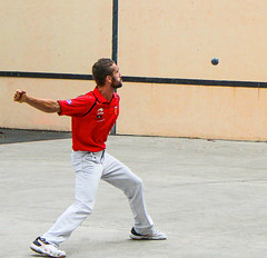 06 Eye on the Ball (emendi100) Tags: fronton jaialai pelote mauleon mainnue