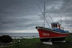 Chanquete asturiano (jmacirez13) Tags: espaa puerto europa barco asturias cudillero norte playadelsilencio