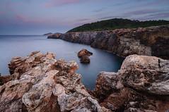 Indomita (carmenvillar100) Tags: rocks formas eivissa rocas norte indomita d90 poudeslleo costasalvaje ibizamar
