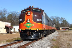 All Aboard! (Pilot MKN) Tags: mississippi oakland nrhs streamliner illinoiscentral