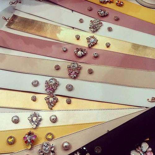 Buona serata! Le nostre meravigliose cinture gioiello....prenotate e personalizzate per le nostre splendide clienti!!! Grazie a tutti per aver scelto YOUnique per le grandi occasioni!!💎❤ #Younique #accessori #personalizzati #madeinitaly #handmad