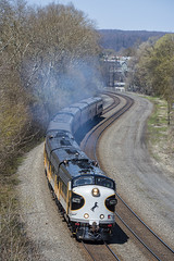 NS 4271  #956  Huntingdon, Pa.- (Vince Hammel Jr) Tags: ns trains funit cabunit