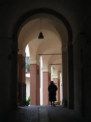 (givanna) Tags: silhouette perugia umbria archi prospettiva pilastri