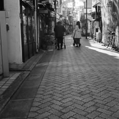 160326_ZenzaBronicaS2_012 (Matsui Hiroyuki) Tags: fujifilmneopan100acros zenzabronicas2 nikonnikkorp75mmf28 epsongtx8203200dpi