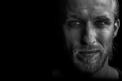 Darkness (Zscherny) Tags: portrait white man black male beauty self beard nikon key dish retrato low bart 5300 nikkor 50 schwarzweiss lowkey selfie mnnlich schwarzweis festbrennweite